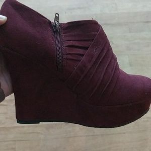BAMBOO Shoes - Bamboo Size 8 booties.